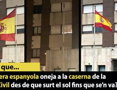 La bandera espanyola de la caserna de la Guàrdia Civil es posa quan surt el sol i es treu quan se'n va