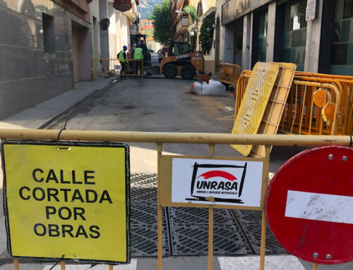 Obres de canalització elèctrica als carrers Bruguera, Ànimes i Monturiol