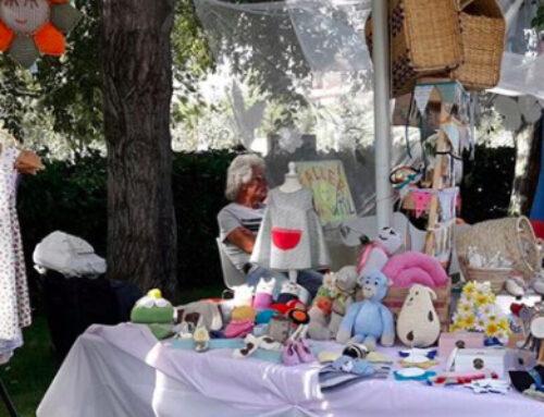 Un grup d'artesanes calellenques demanen fer una fira per vendre els seus productes