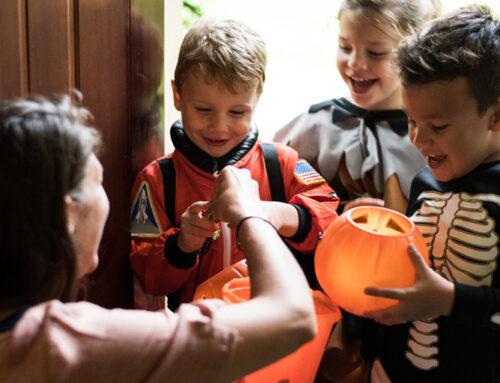 Els nens i nenes no podran passar per les botigues demanant caramels per Halloween