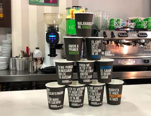 Missatges positius als gots de cafè de la cafeteria El desig per començar el dia amb un somriure