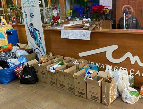 El Club Natació Calella recapta 300 quilos de menjar i 150 quilos de roba en la jornada esportiva solidària
