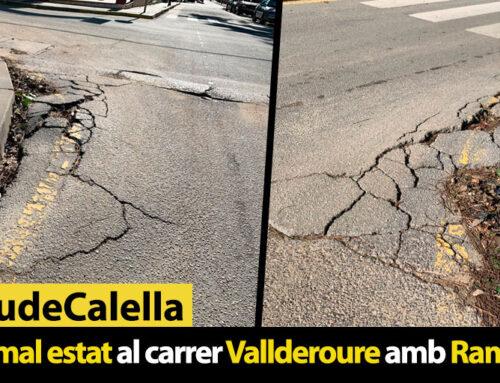 Asfalt en mal estat al carrer Vallderoure amb Ramon i Cajal