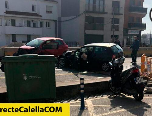Una persona ferida per la topada de dos cotxes a la N-II
