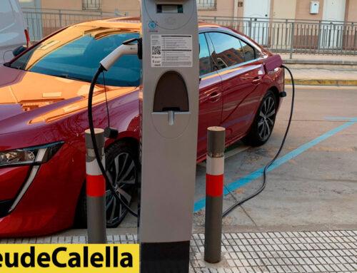 La base de càrrega de vehicles elèctrics, en un carrer amb regulació horària