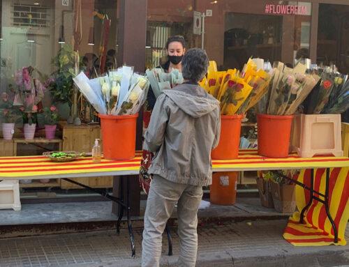 Floristeries i llibreries treuen les parades al carrer per Sant Jordi